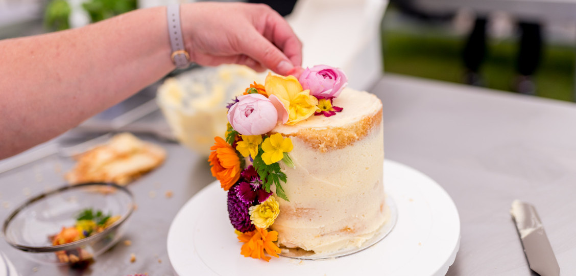 Naked Cake Decorating Workshop