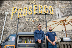 Pop-Up Prosecco van