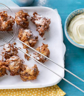 Carrot cake pakoras with cream cheese dip picture